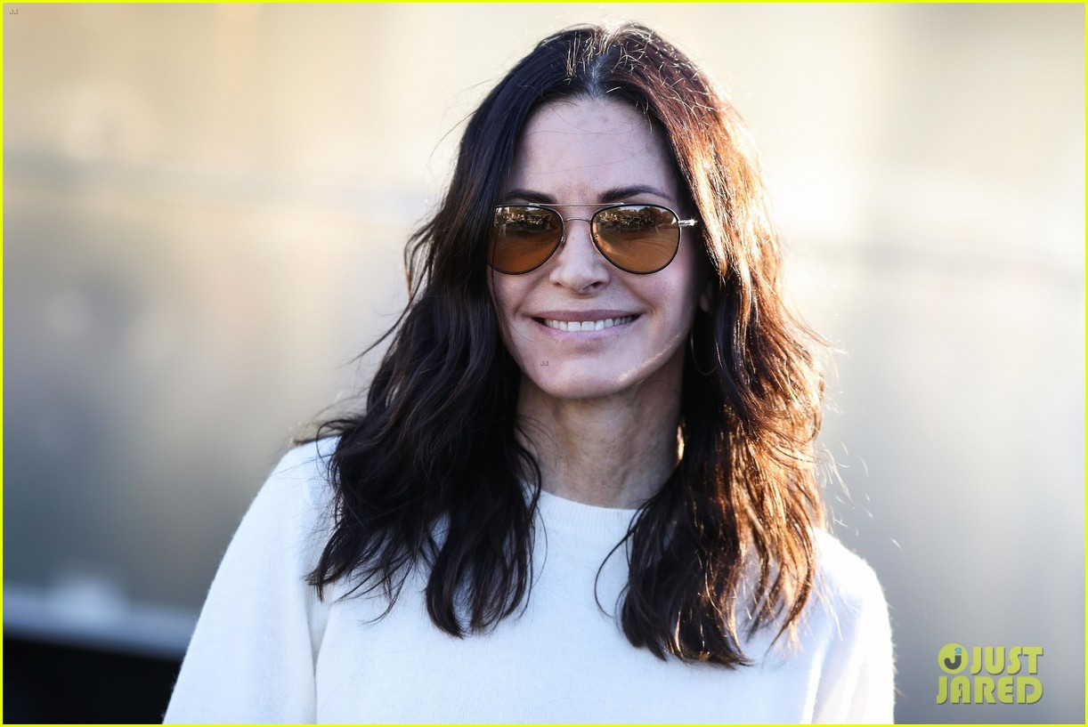 gwen stefani courteney cox rita ora more help raise funds for woolsey fire at one love 034192105