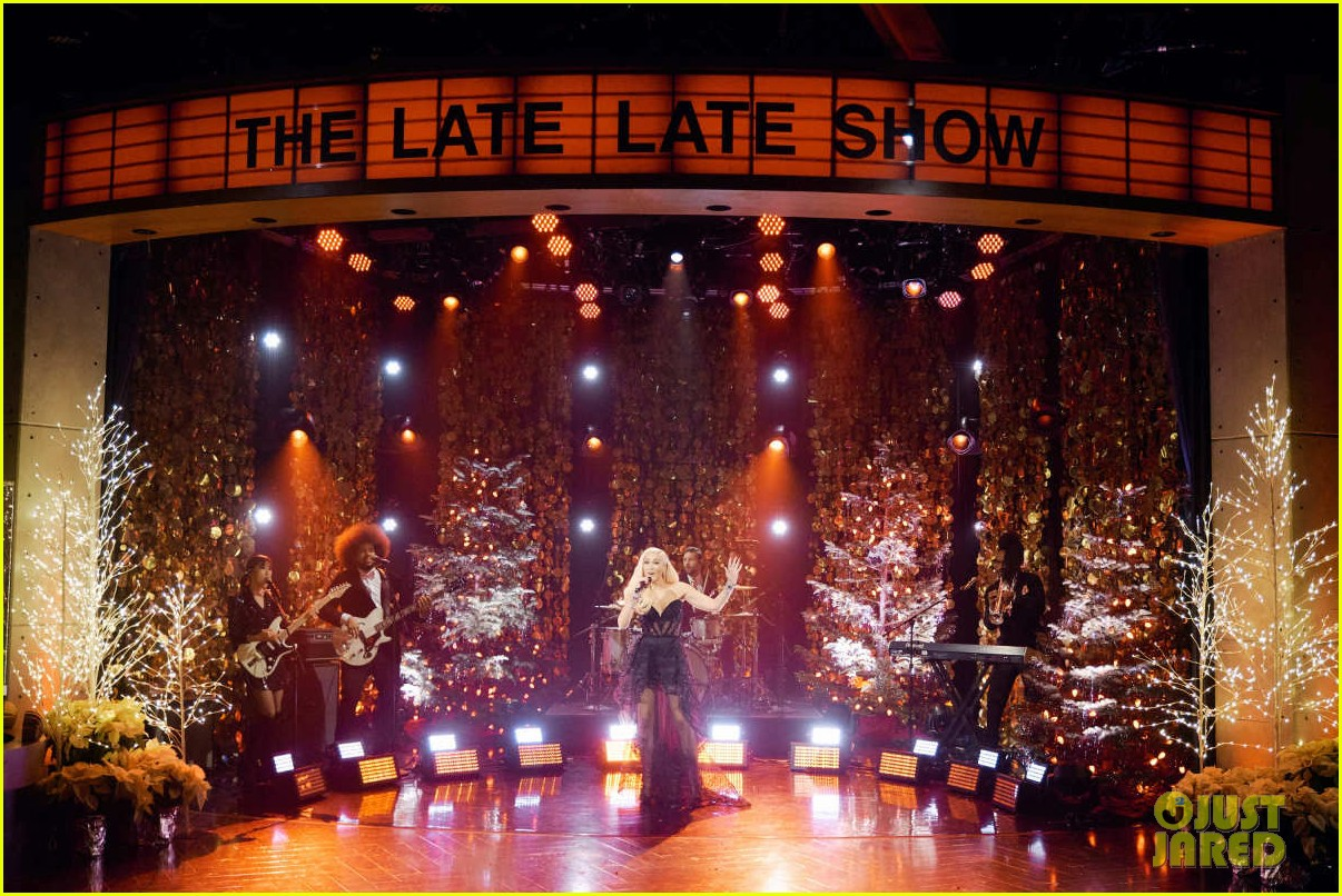 gwen stefani gets emotional talking about pharrell williams on late late show 05