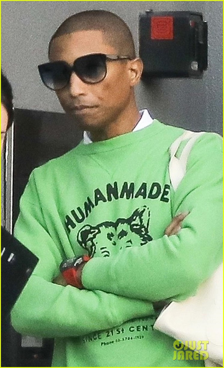 pharrell williams heads to a morning meeting in beverly hills 03