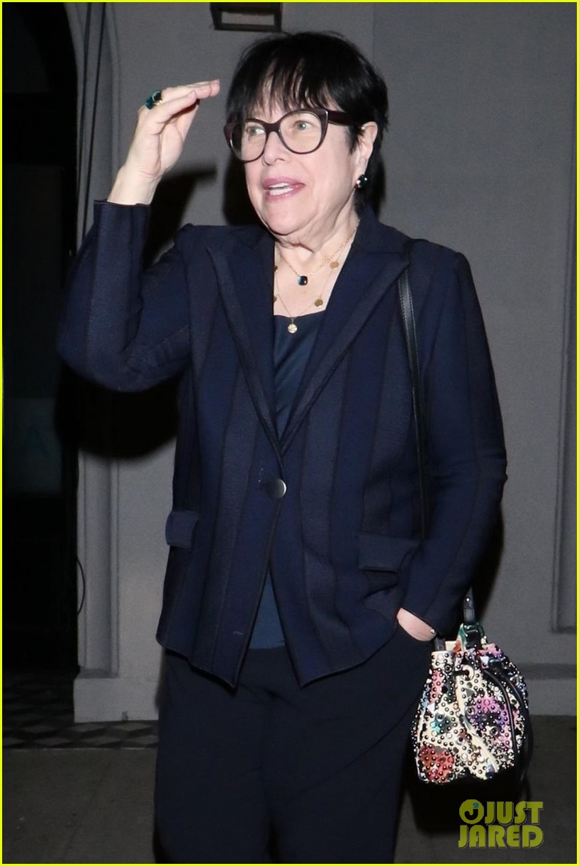 kathy bates shows off 60 pound weight loss 02