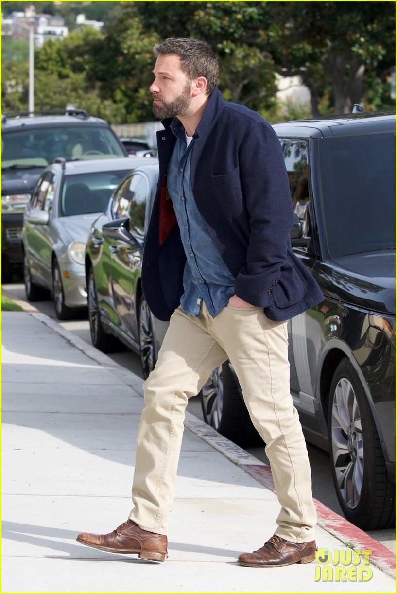 Ben Affleck Meets Up With Ex Jennifer Garner At Church