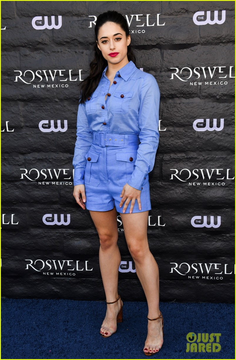 tyler blackburn joins jeanine mason nathan parsons at roswell new mexico premiere 054210012