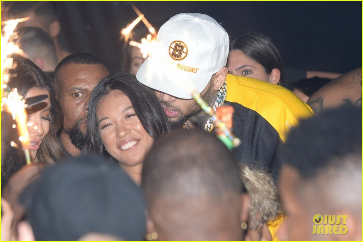 Chris Brown Packs on PDA with Rumored Girlfriend Ammika ...