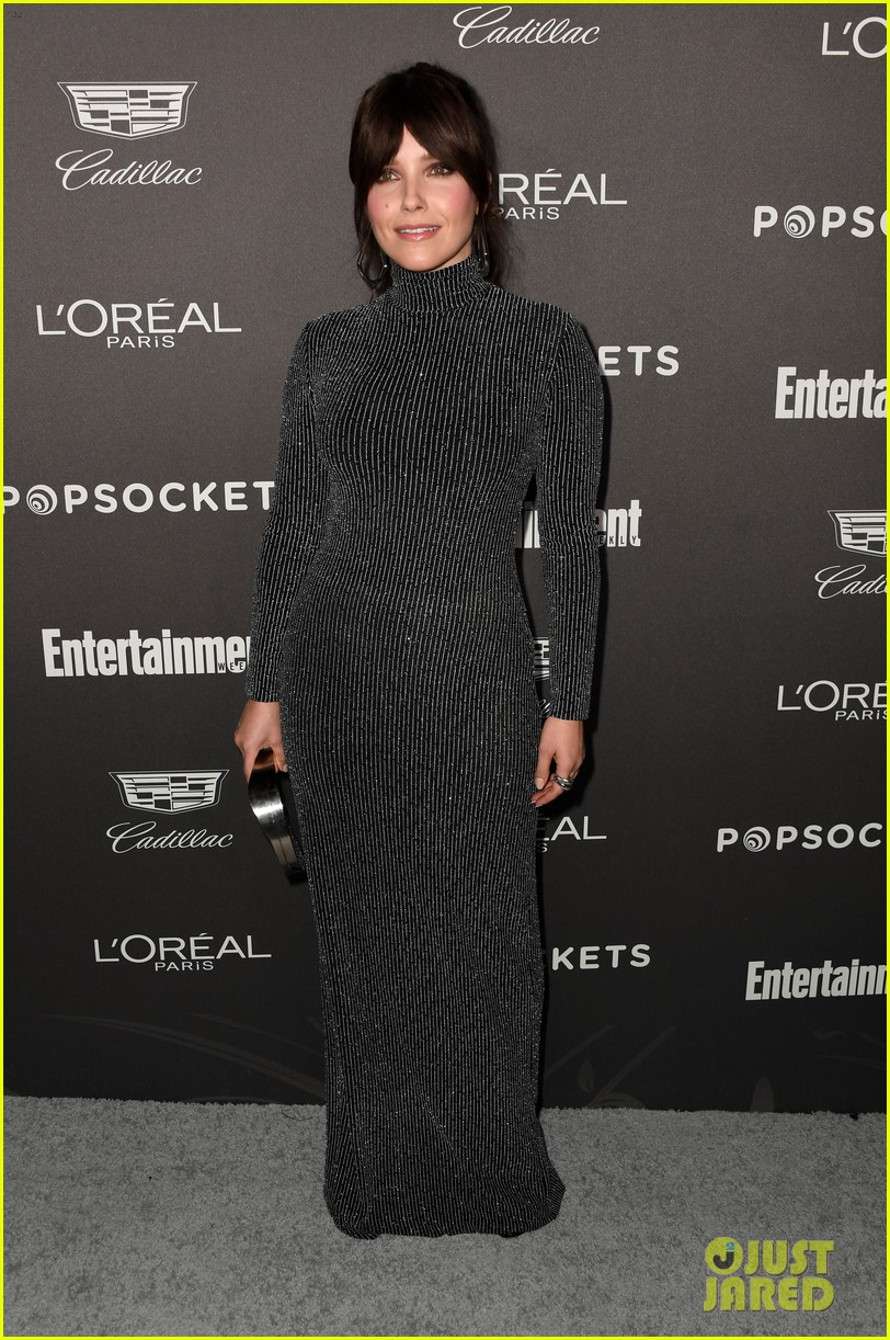 sophia bush joins laverne cox angela bassett at ew pre sag awards party 014217350