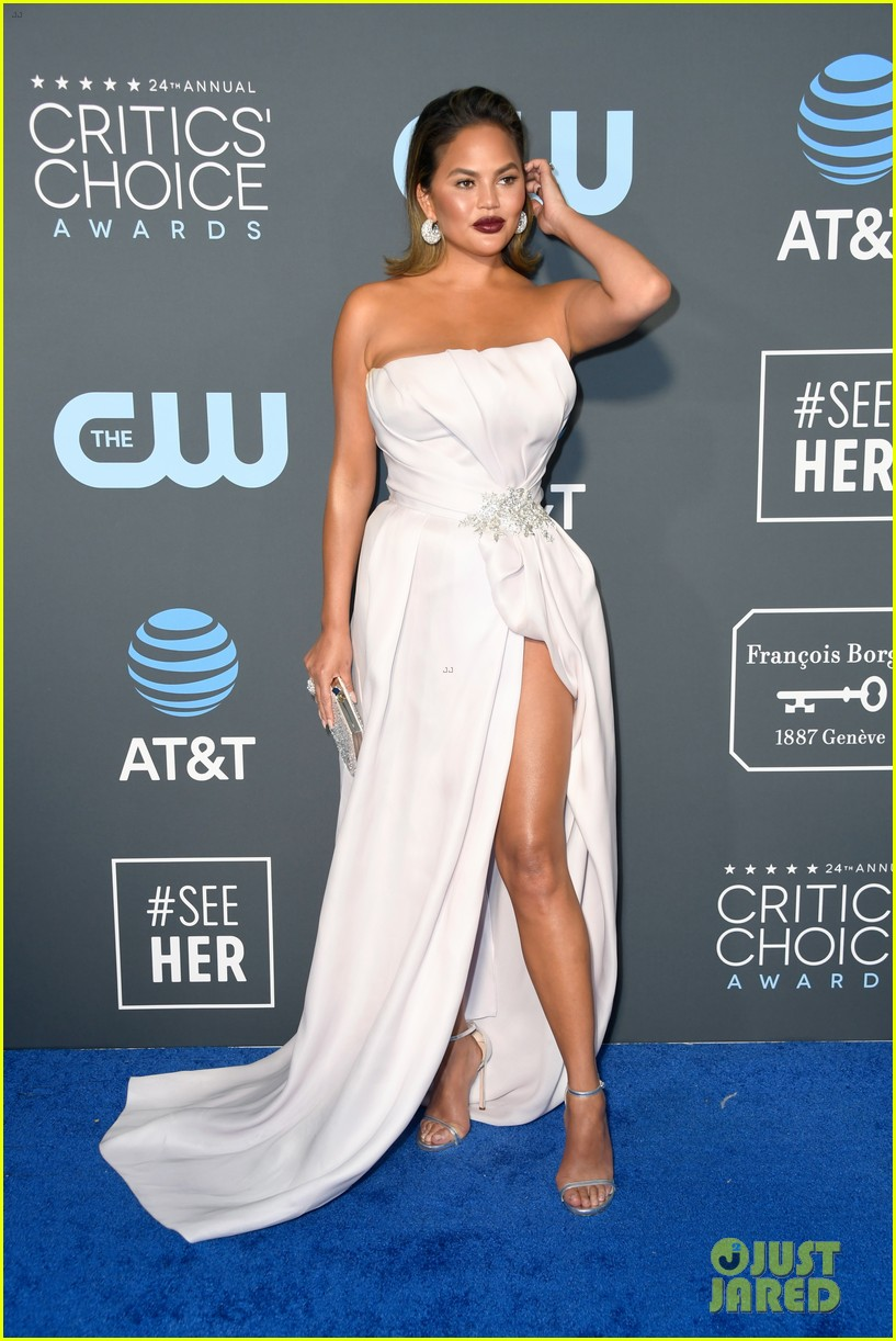 chrissy teigen john legend 2019 critics choice awards 01