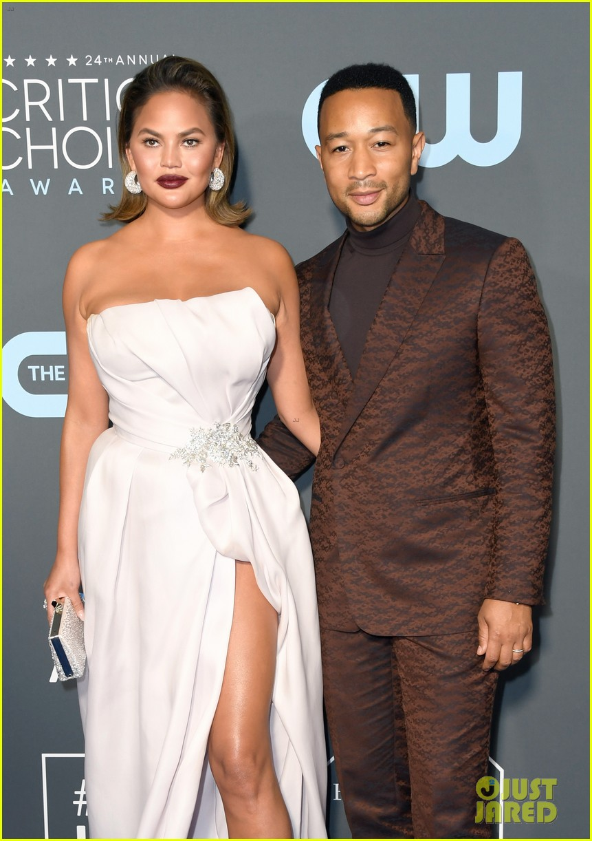 chrissy teigen john legend 2019 critics choice awards 06