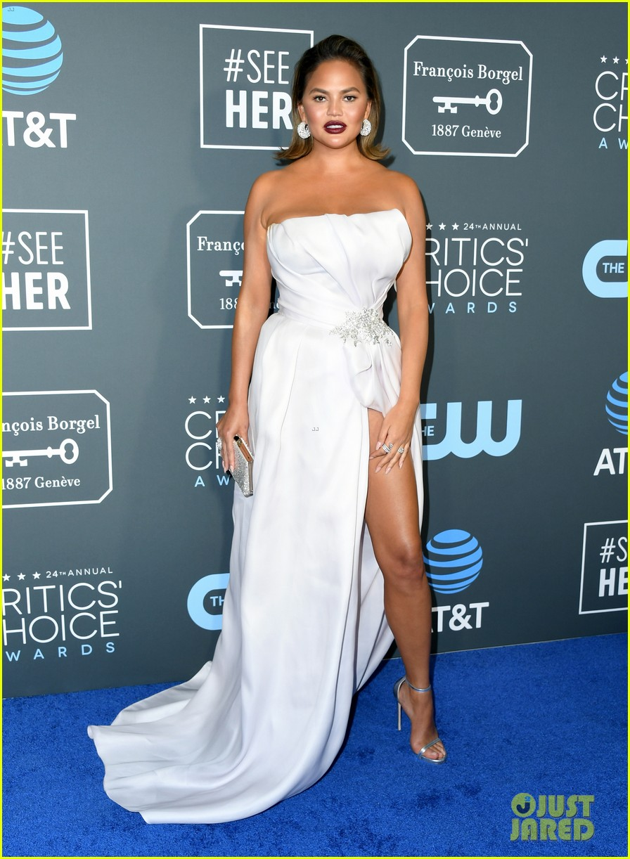 chrissy teigen john legend 2019 critics choice awards 07
