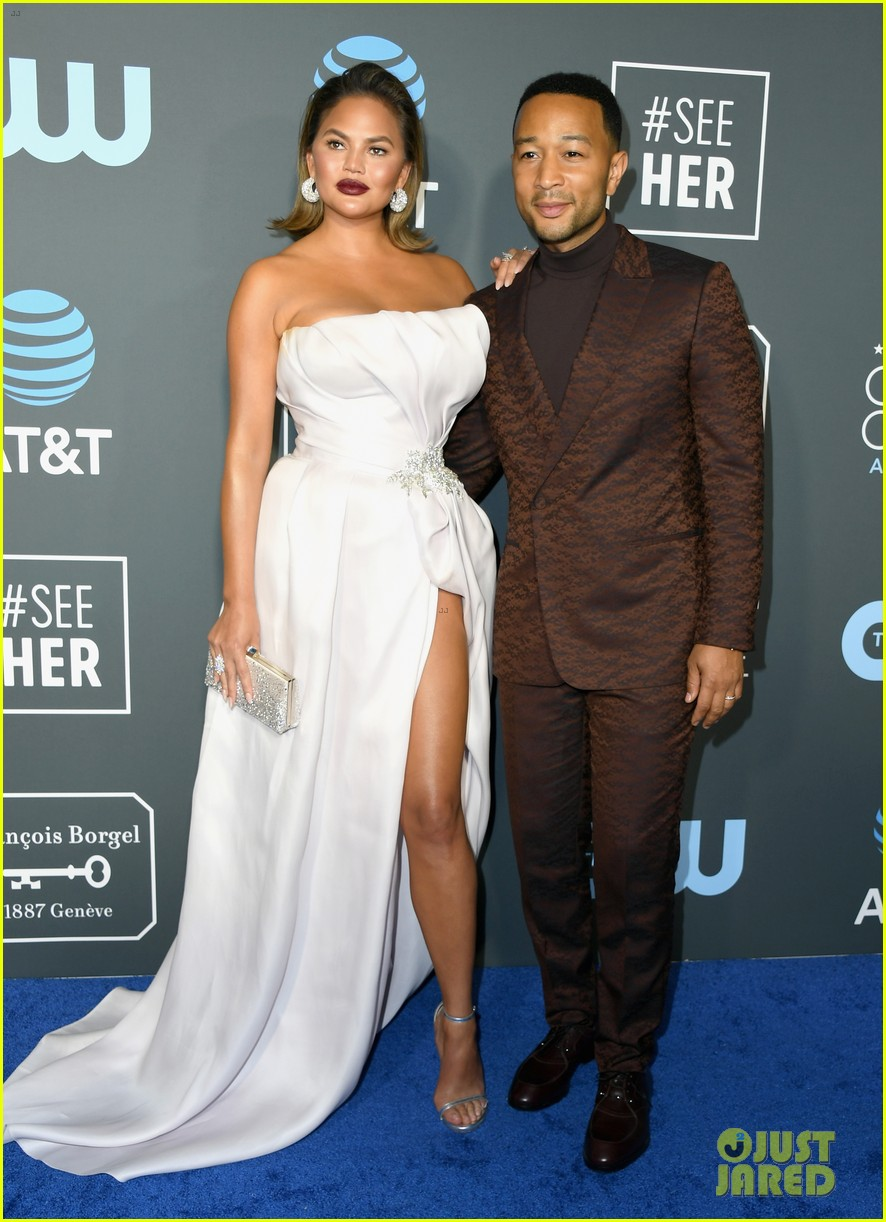 chrissy teigen john legend 2019 critics choice awards 08