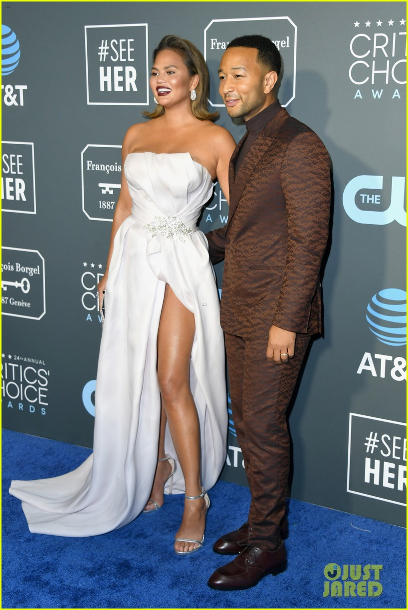 chrissy teigen john legend 2019 critics choice awards 09