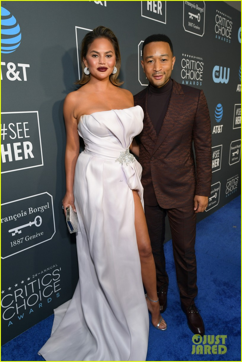 chrissy teigen john legend 2019 critics choice awards 12