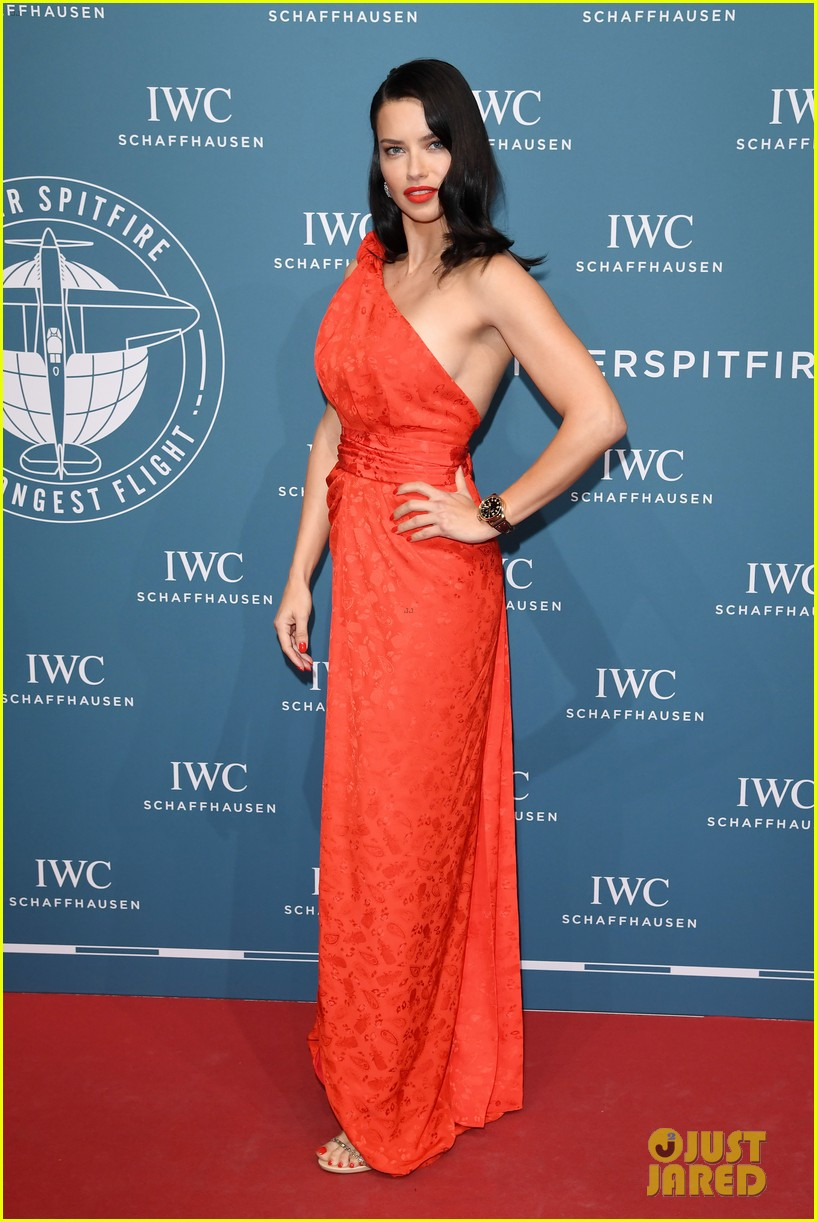 bradley cooper adriana lima celebrate pilots watches at iwc schaffhausen gala 2019 09