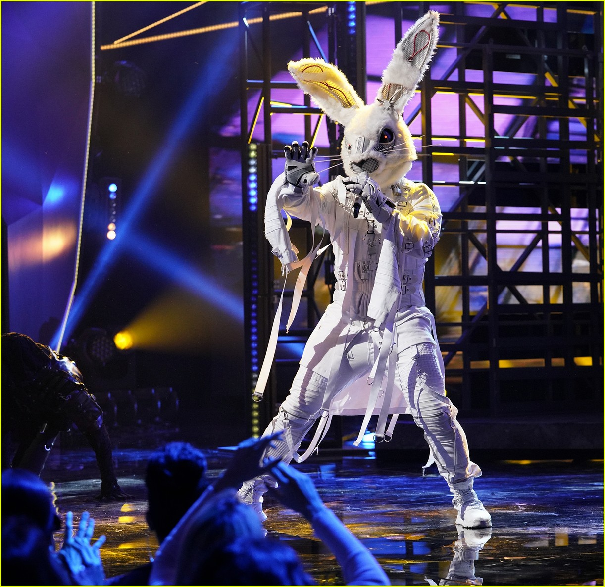 rabbit the masked singer 084220017
