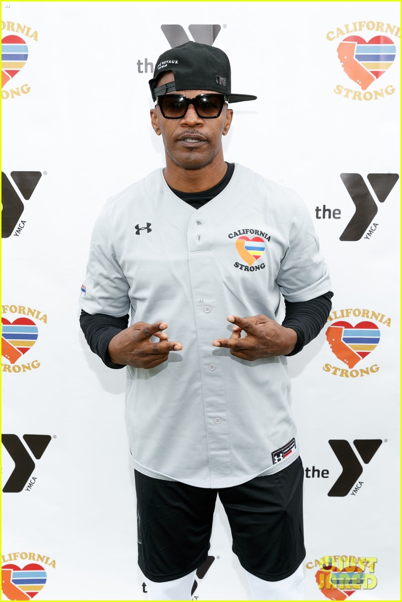 jamie foxx adam sandler zachary levi more team up for celebrity softball benefit game 024211848