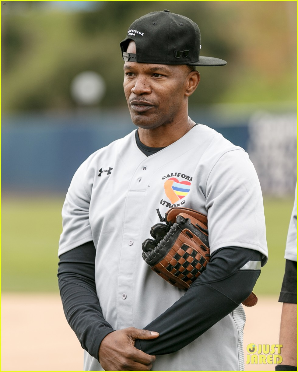 jamie foxx adam sandler zachary levi more team up for celebrity softball benefit game 04