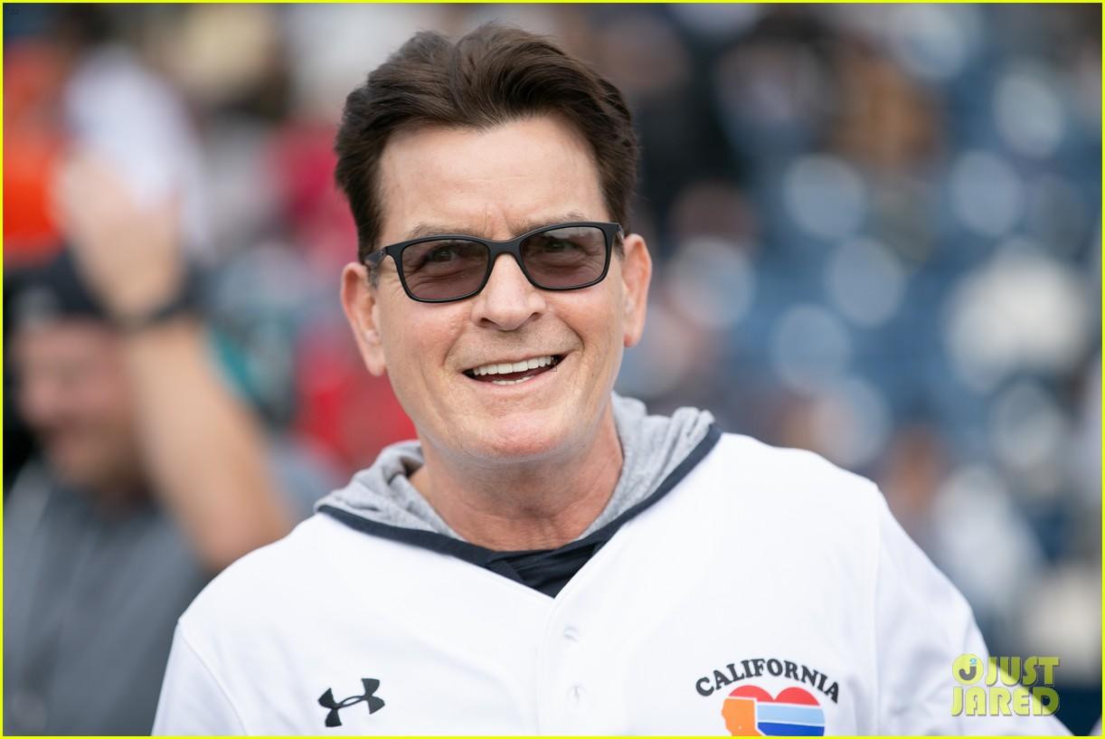 jamie foxx adam sandler zachary levi more team up for celebrity softball benefit game 07