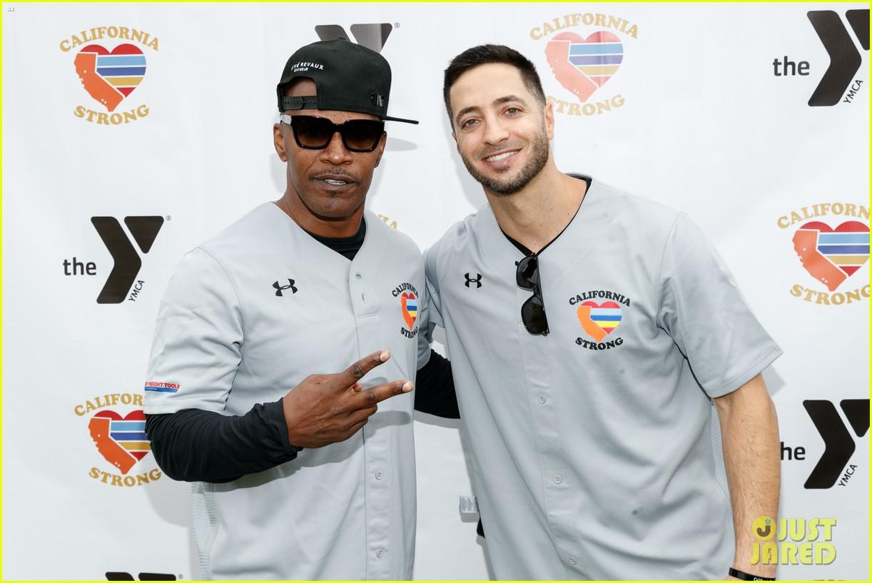 jamie foxx adam sandler zachary levi more team up for celebrity softball benefit game 10
