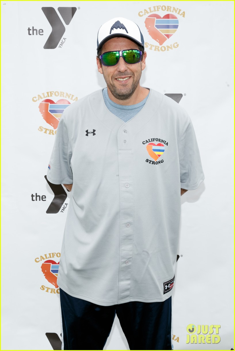 jamie foxx adam sandler zachary levi more team up for celebrity softball benefit game 12
