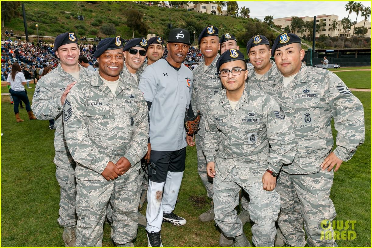 jamie foxx adam sandler zachary levi more team up for celebrity softball benefit game 16