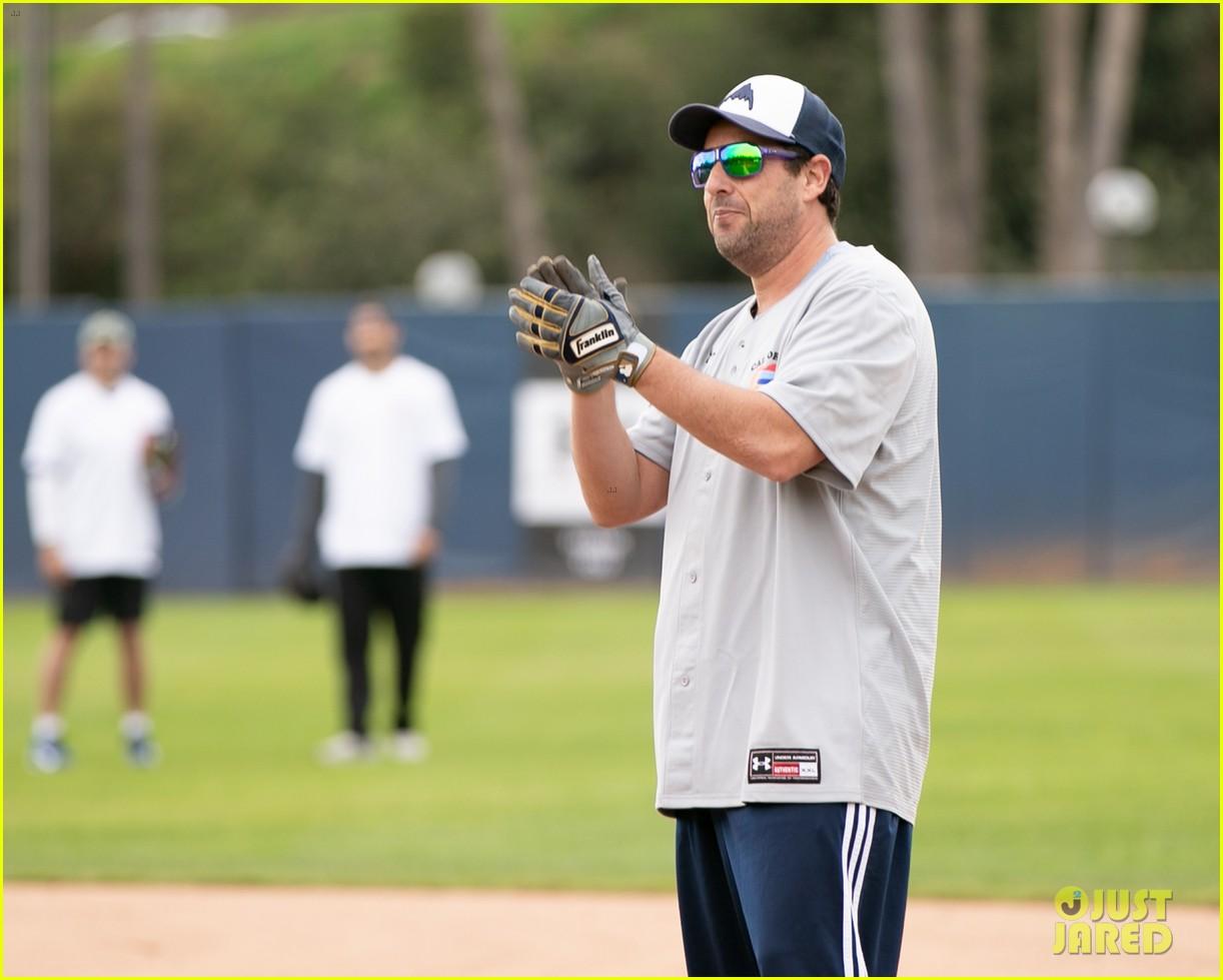 jamie foxx adam sandler zachary levi more team up for celebrity softball benefit game 18