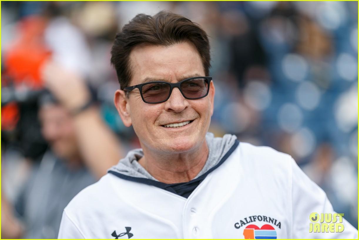 jamie foxx adam sandler zachary levi more team up for celebrity softball benefit game 20