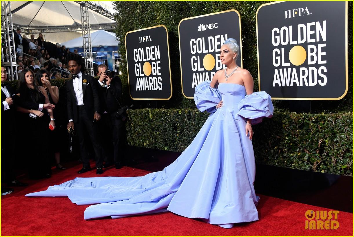 lady gaga christian carino golden globes 2019 254207181