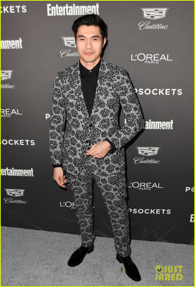 darren criss henry golding looks so suave at ew pre sag party 024217300