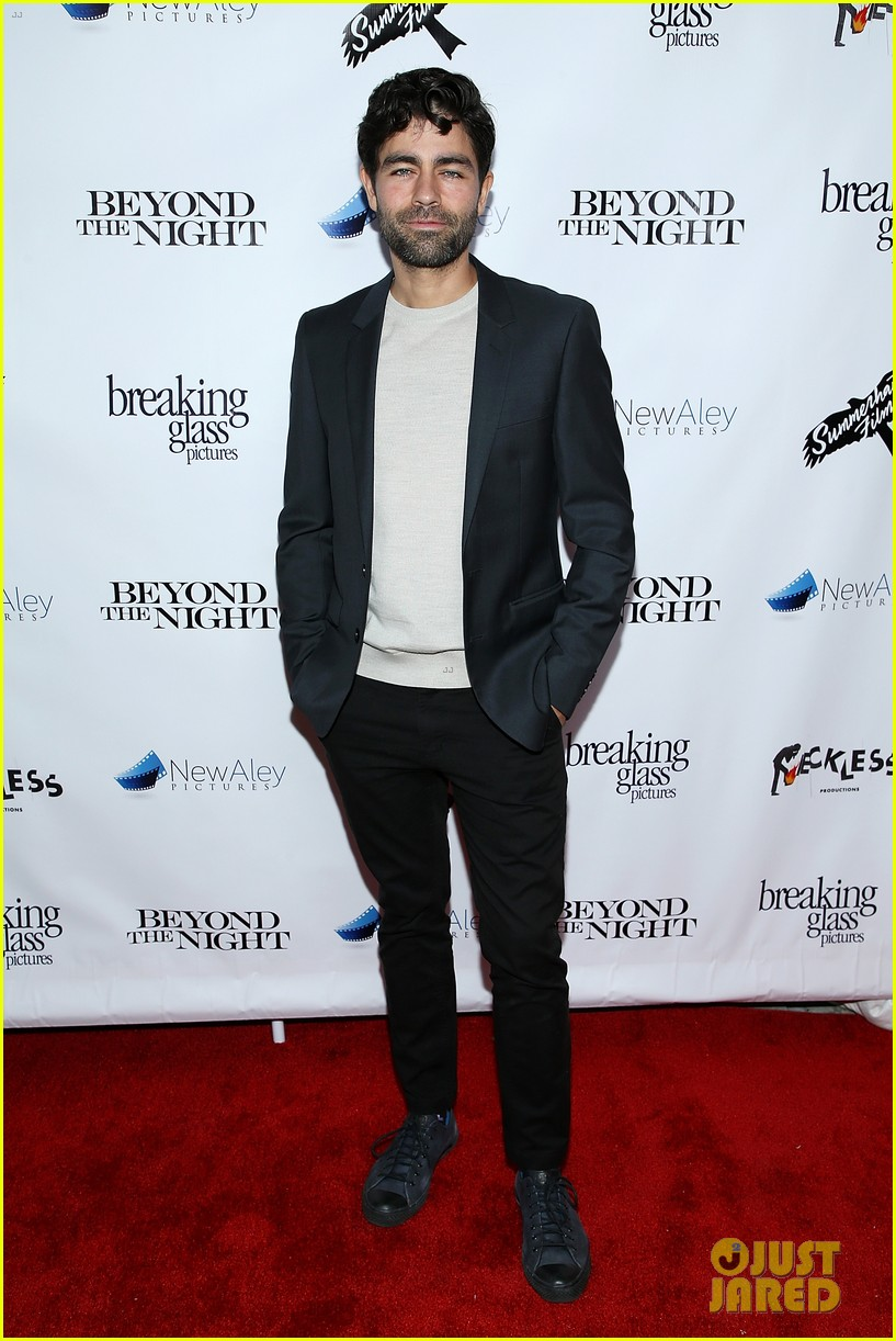 adrian grenier supports his beyond the night cast at premiere 07
