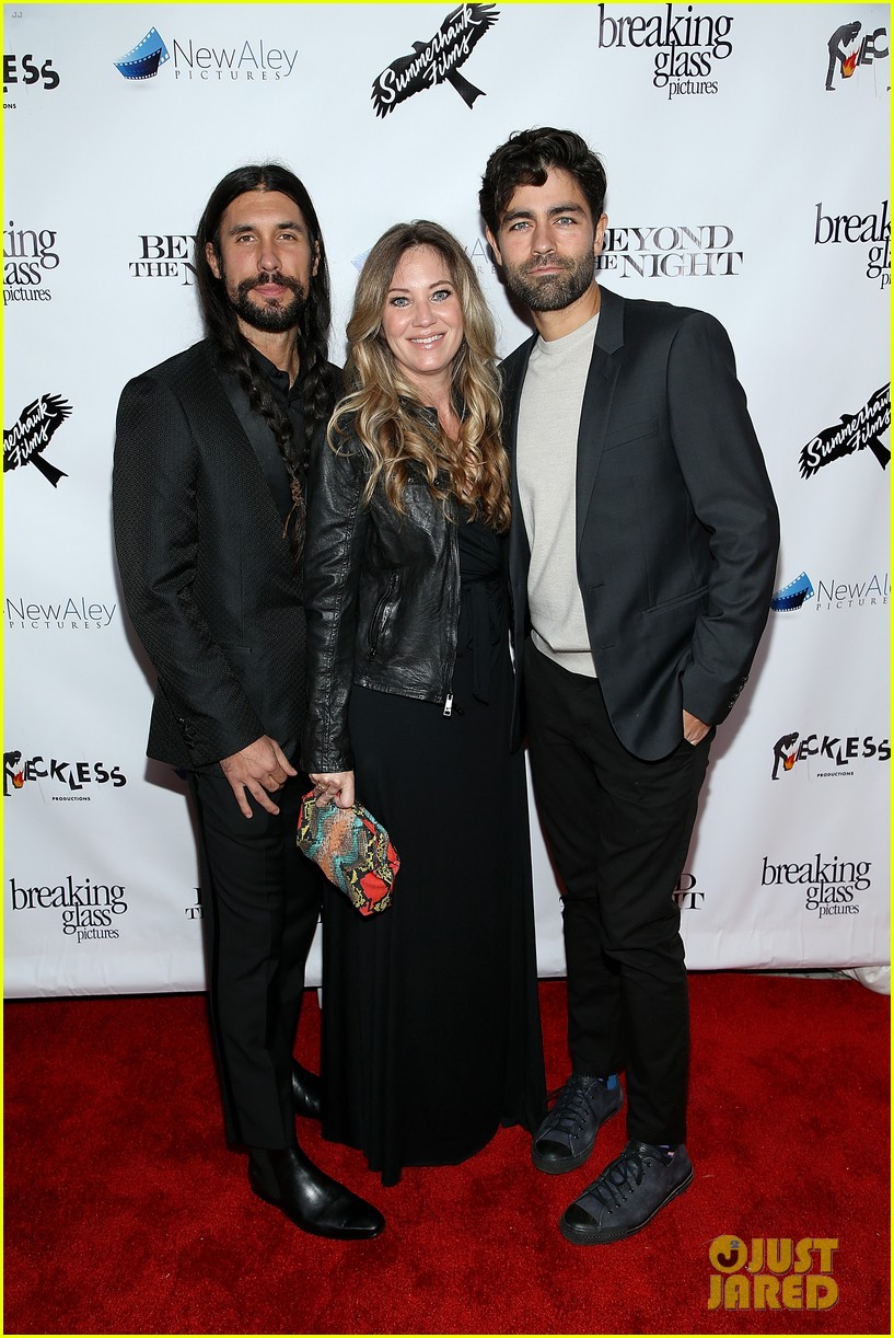 adrian grenier supports his beyond the night cast at premiere 09