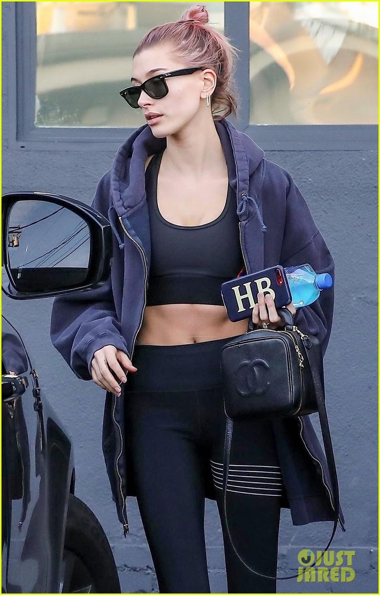 hailey baldwin hits the gym in LA 014214183