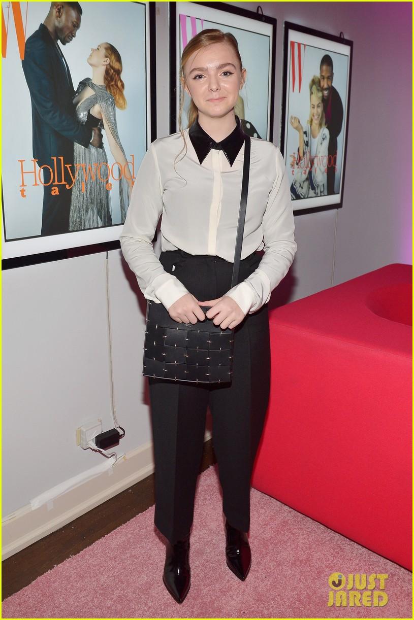 sarah hyland lili reinhart w magazine party 064206025