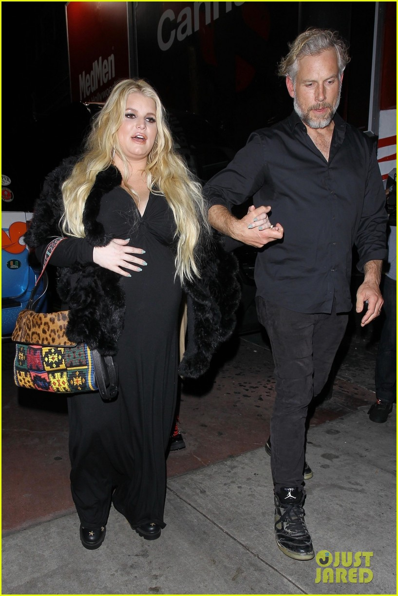 Jessica Simpson Eric Johnson January 02 Photos Of Cardi And Husband