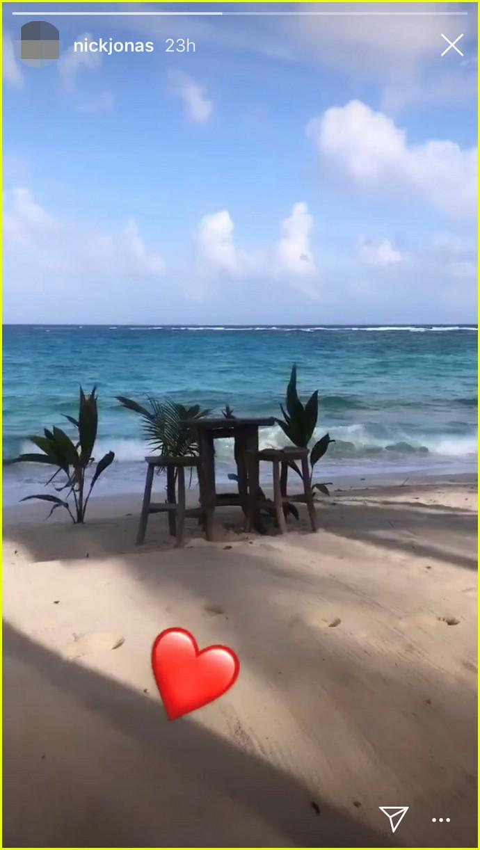 nick jonas and priyanka chopra kick off caribbean honeymoon 04