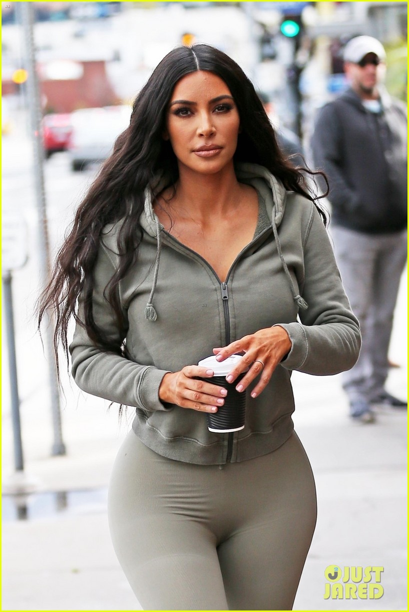 kim kardashian lunch sherman oaks january 2019 044208839