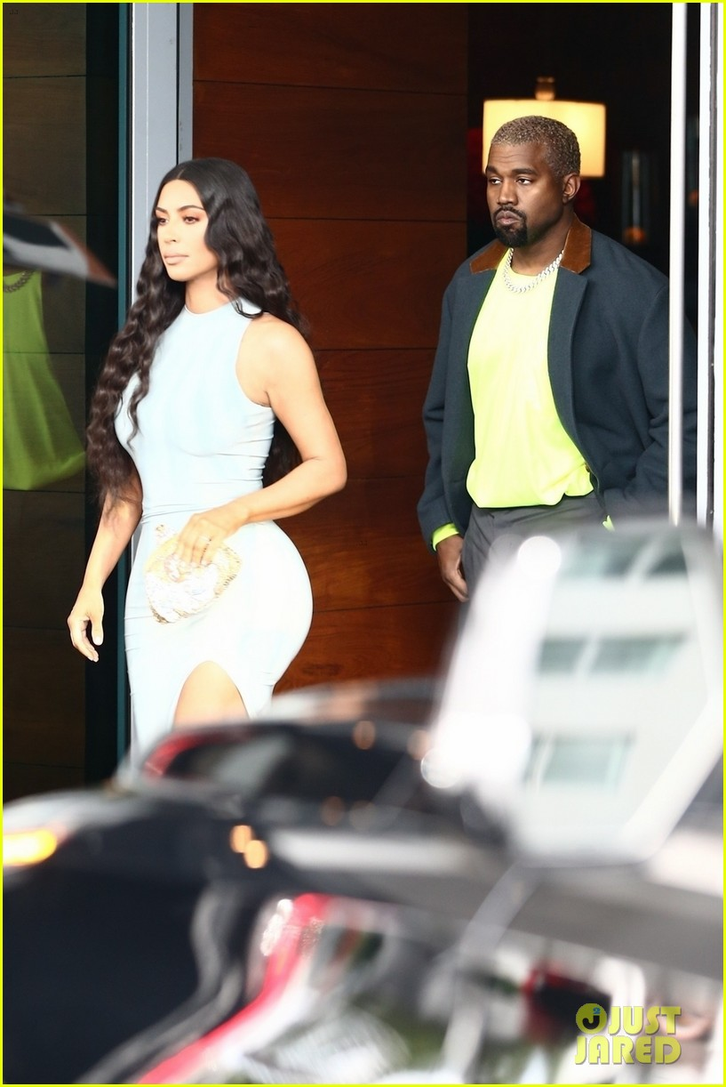 kim kardashian wears form fitting dress shopping with kanye west 024205879