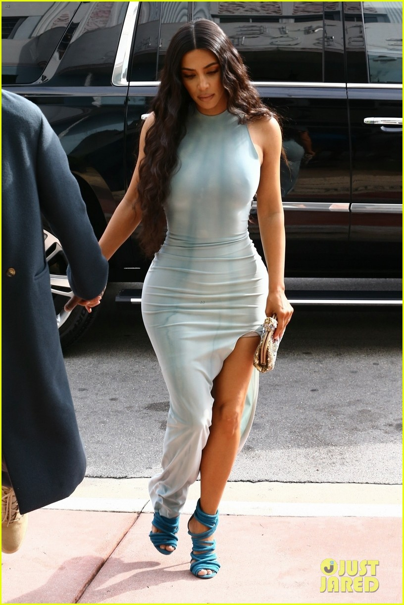 kim kardashian wears form fitting dress shopping with kanye west 054205882