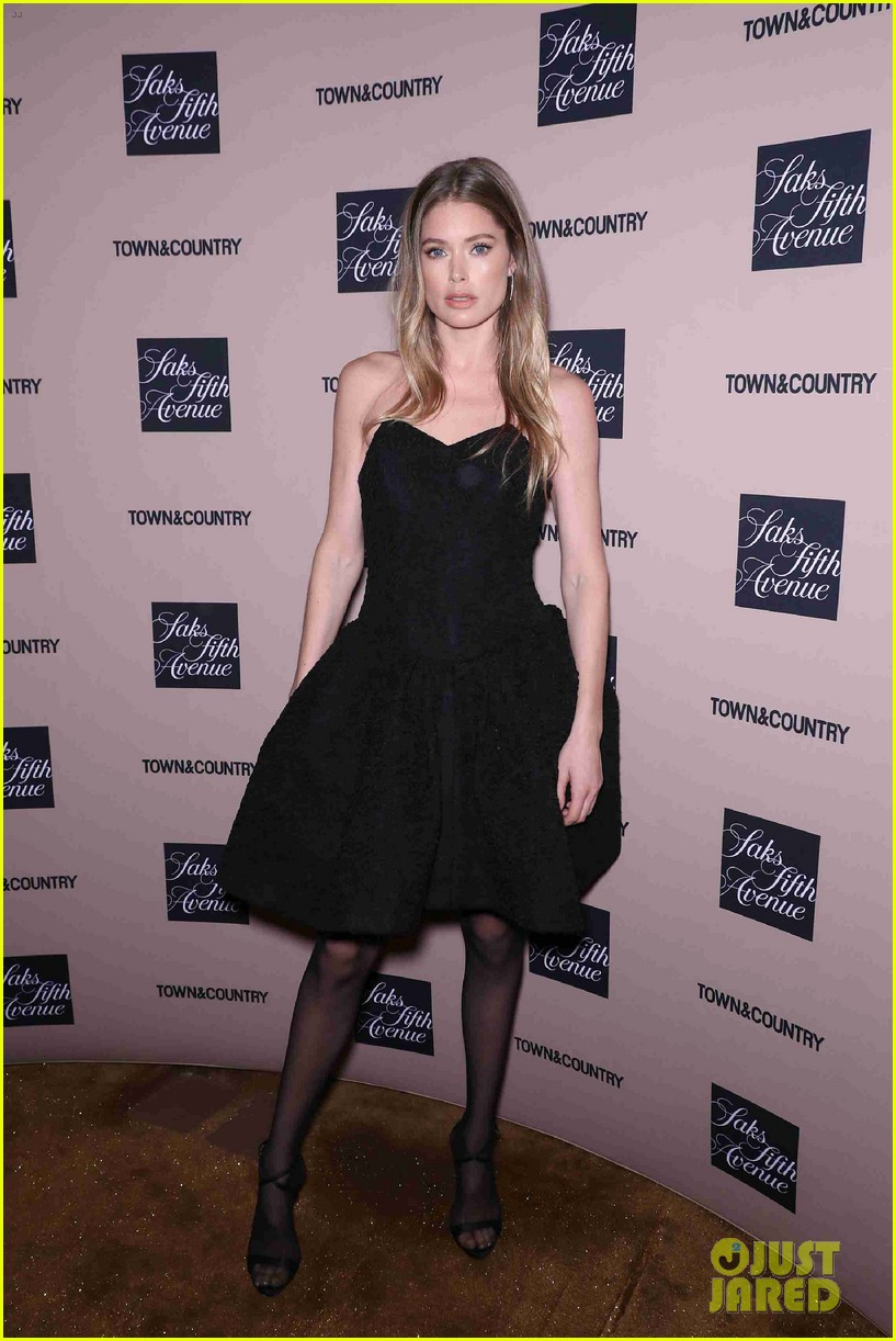 doutzen kroes kelly ripa hilary rhoda step out for town country jewelry awards 12