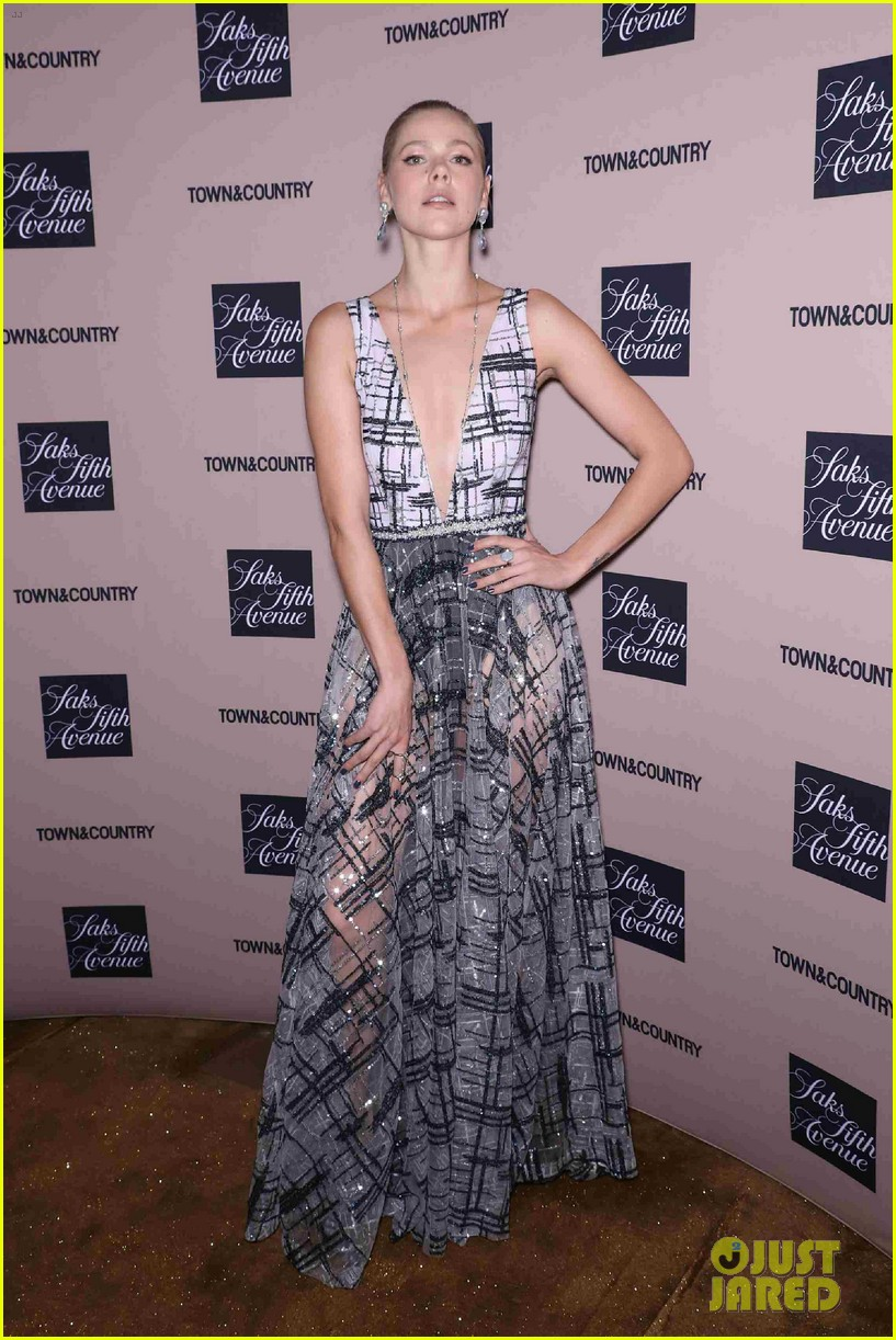 doutzen kroes kelly ripa hilary rhoda step out for town country jewelry awards 14