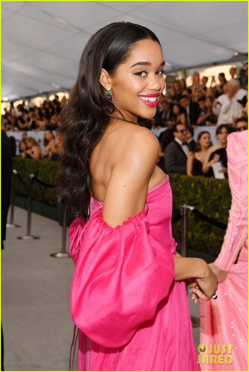 laura harrier loewe pink dress sag awards 04