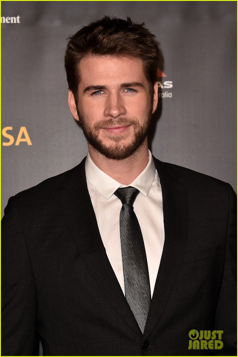 Liam Hemsworth Joins Isla Fisher at G'Day USA Gala 2019