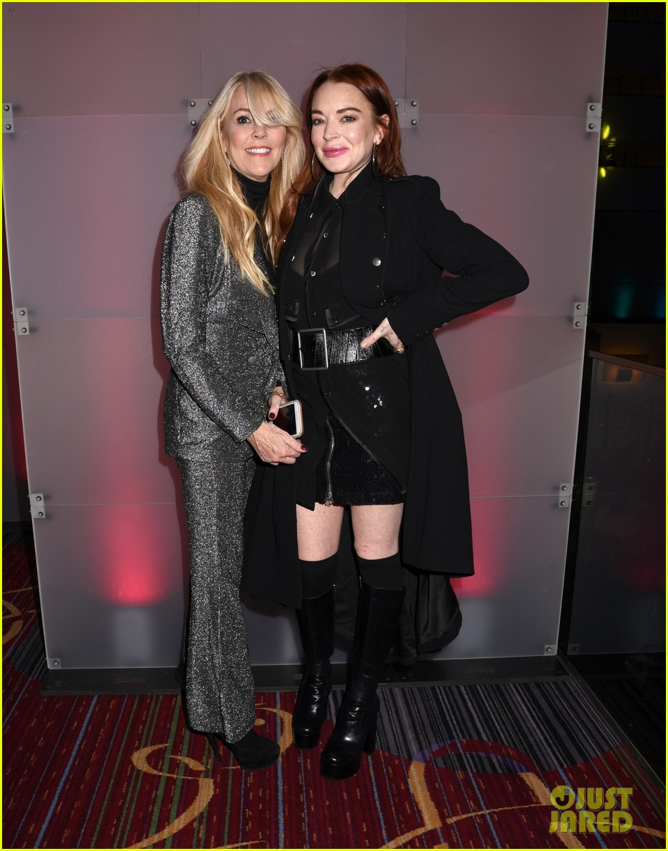 lindsay lohan attends robin thickes new years eve party 01
