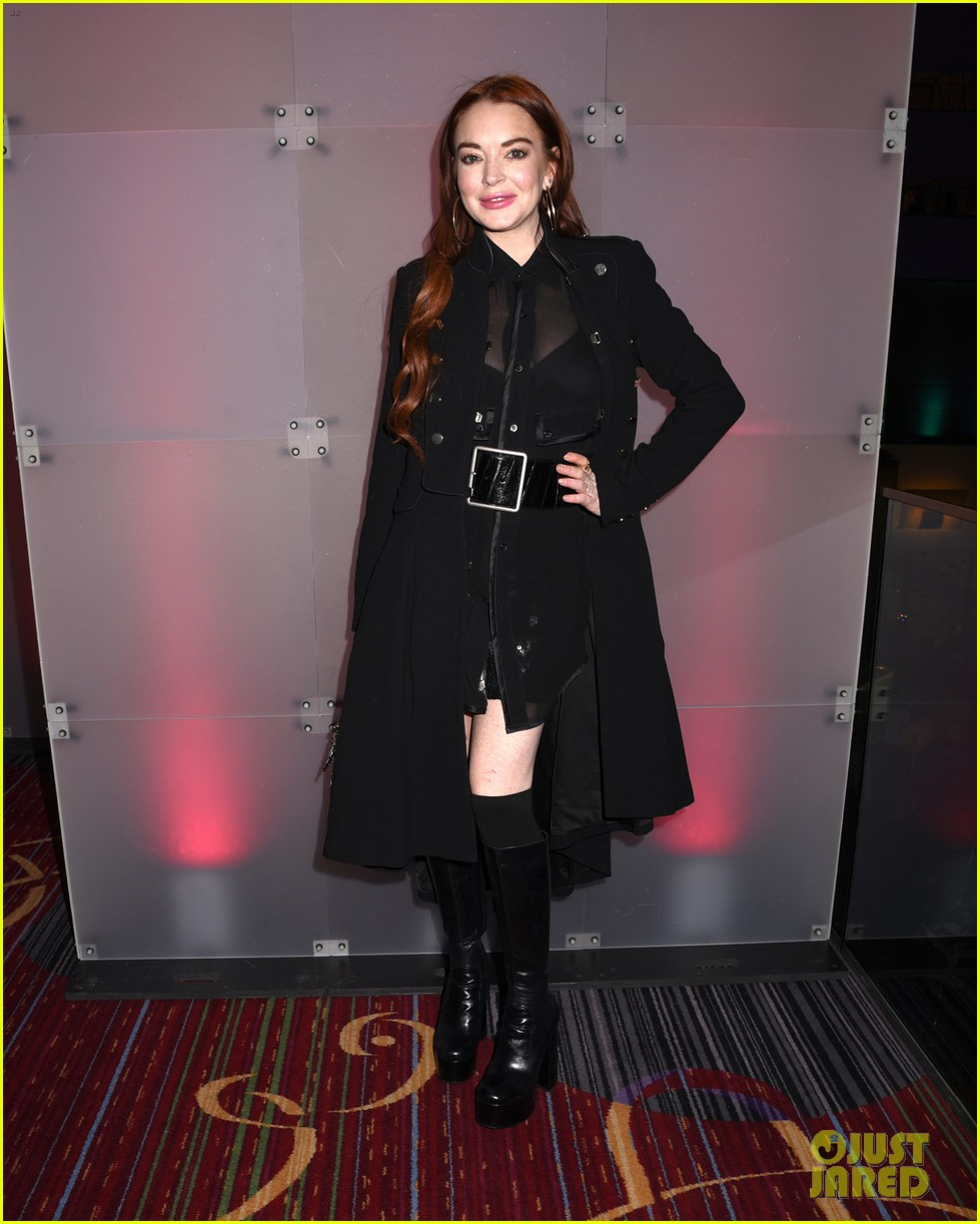 lindsay lohan attends robin thickes new years eve party 07