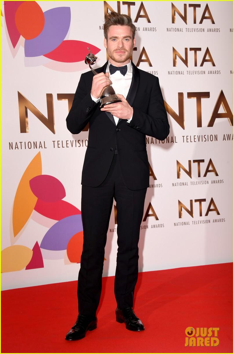 richard madden wins at national tv awards 014215144
