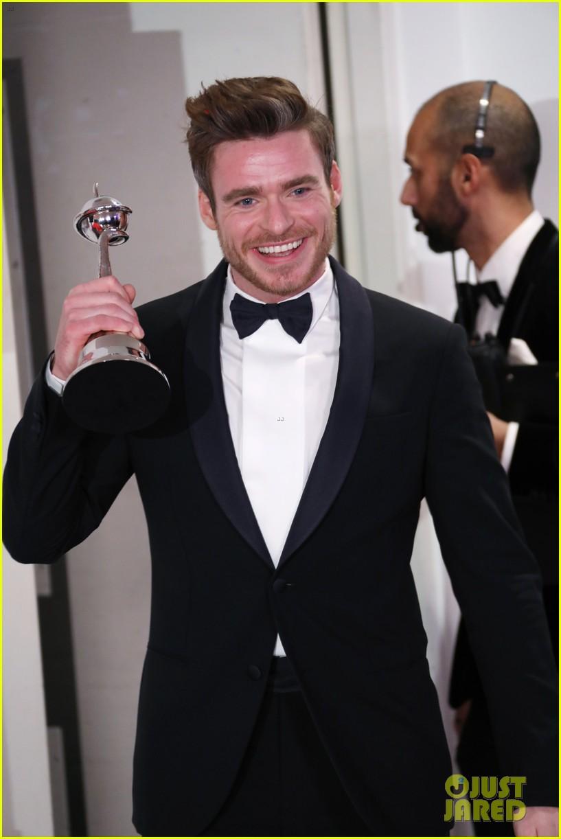 richard madden wins at national tv awards 024215145