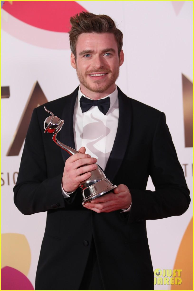 richard madden wins at national tv awards 064215149