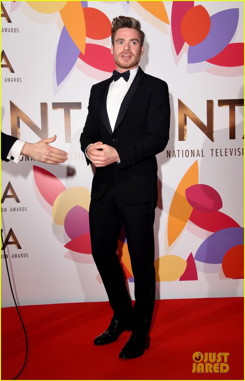 richard madden wins at national tv awards 084215151