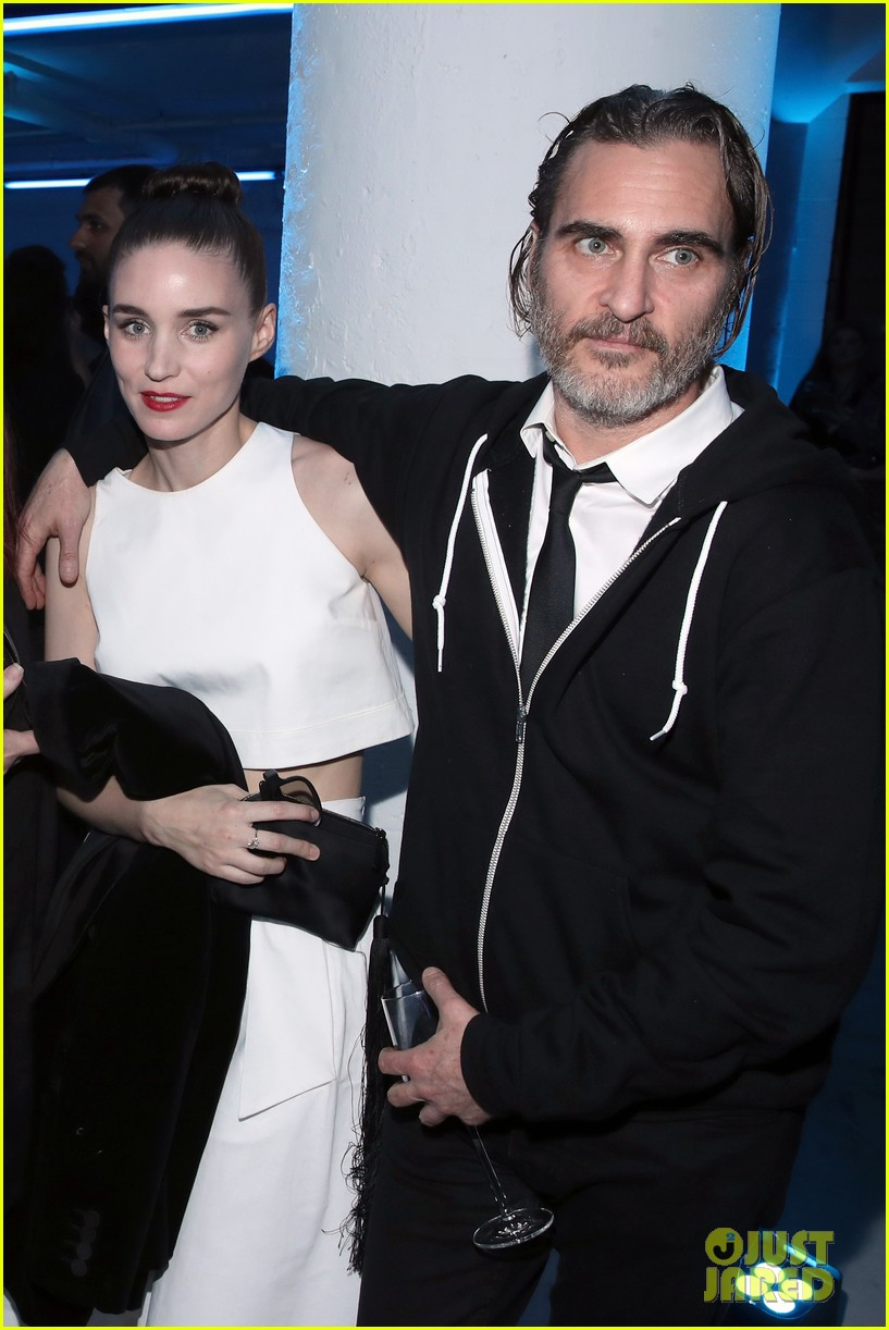 rooney mara joaquin phoenix pose together at art of elysium event 11