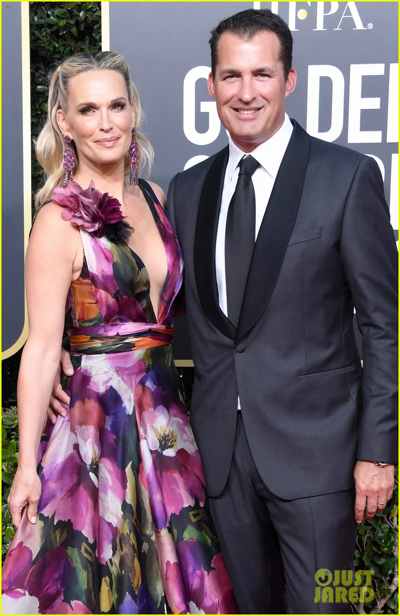 molly sims and husband 2019 golden globes 02