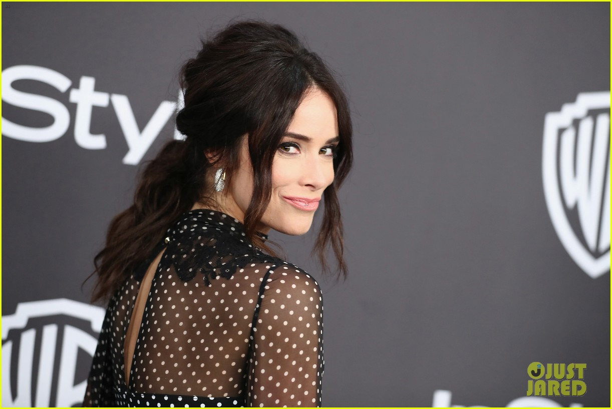 michelle monaghan christina ricci abigail spencer get glam at golden globes after party 25