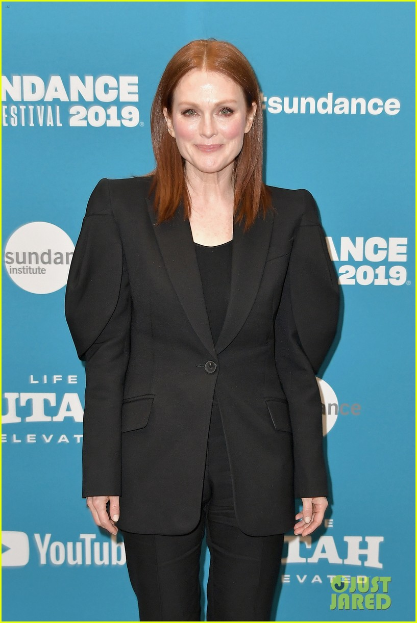julianne moore michelle williams after the wedding sundance 07