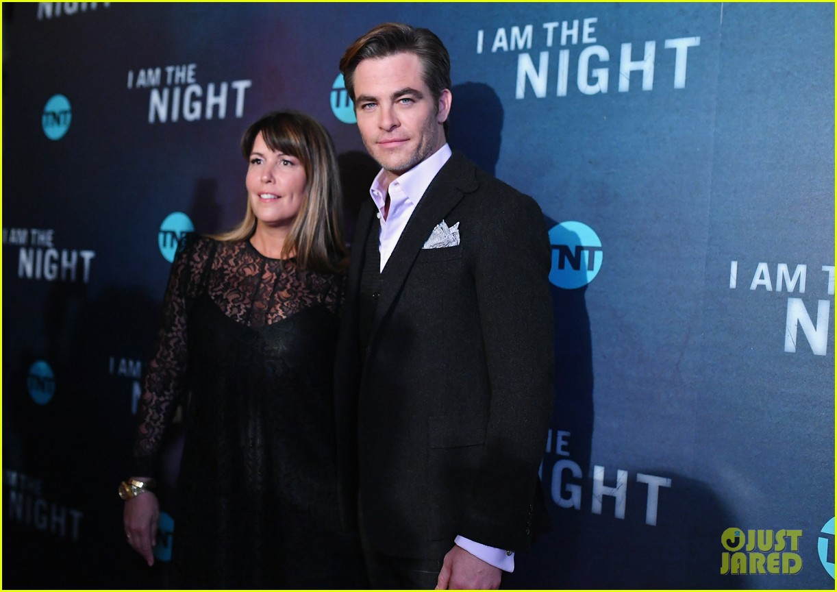 chris pine zachary quinto i am the night premiere 124215265